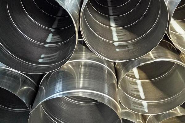 有腐蚀性和特别潮湿的场所使用不锈钢风管